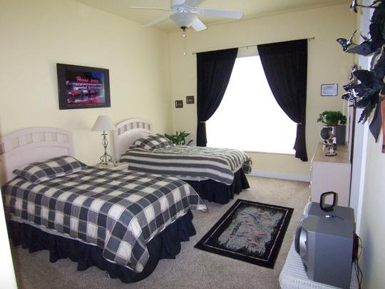 hollywood. Black Bedroom Furniture Sets. Home Design Ideas
